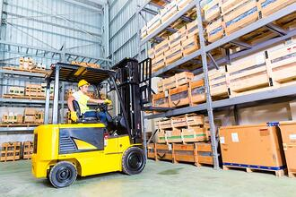forklift-in-warehouse