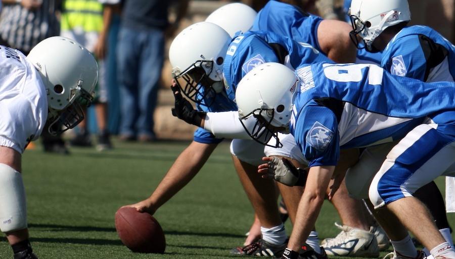 football-players-on-field.jpeg